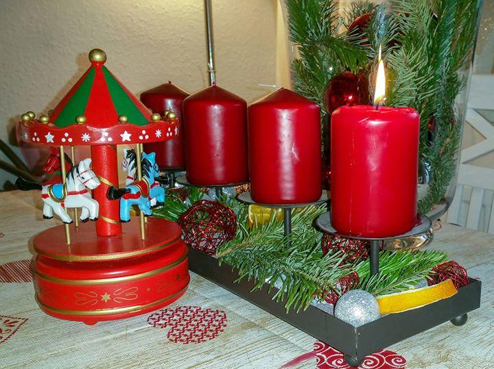 RED HEAVEN wünscht euch einen schönen ersten Advent 😎!
